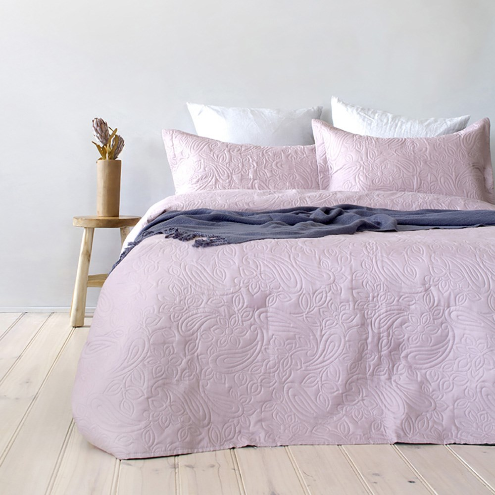 Bambury Paisley Coverlet Set Dusk Pink Queen/King Bed