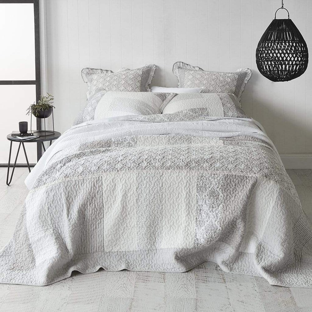 MyHouse Corrinne Super King Coverlet Set