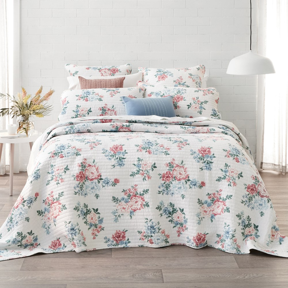 MyHouse Scarlet Coverlet Queen/King